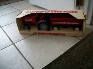 1985 ERTL Campbells Soup Tractor N Trailer Set