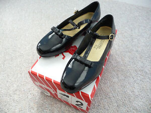 Various Brand New Girl's Dress Shoes - Size 1 or 2 Kitchener / Waterloo Kitchener Area image 2