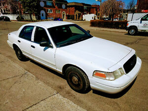 2005 Ford Crown Victoria Police pack Berline