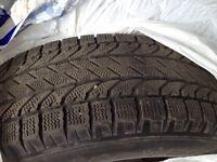 4 pneus d'hiver un an d'usure avec jantes