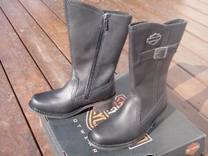 Women's Harley Davidson leather boots Size 6.5.