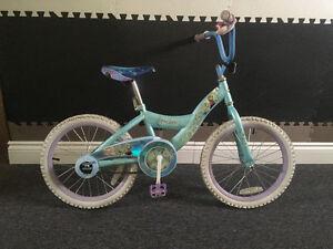 Vélo 18 po de la reine des neiges