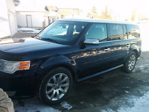 2009 Ford Flex AWD Limited Leather, NAV, Trailer, Heated Seats
