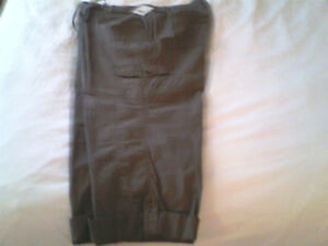 New with Tag - Khaki Capris - Size 18