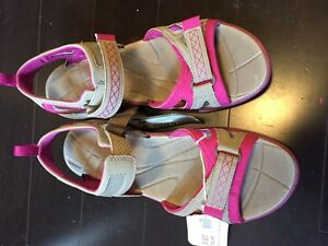 Ladies size 9 Merrell sandals - new with tags and box Kitchener / Waterloo Kitchener Area image 4