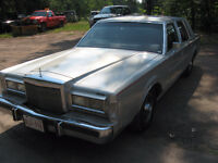 1988 Lincoln Town Car Sedan 302 fuel injection great on gas Full
