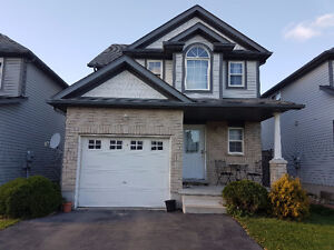 3 BEDROOM HOUSE FOR RENT IN KITCHENER CLOSE TO SUNRISE MALL