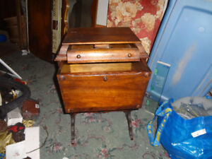 WONDERFUL ANTIQUE SEWING TABLE/STAND