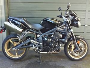 2012 Triumph Street Triple R phantom black/gold