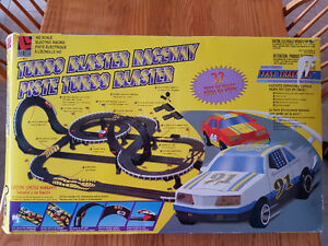 RACE CAR TRACK SET