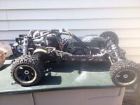 23cc motor king Baja 5b RC with tons of extra parts