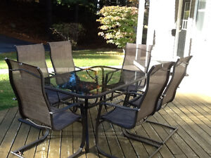Patio table/6 chairs