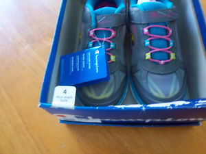 Brand new Running Shoes Kitchener / Waterloo Kitchener Area image 4