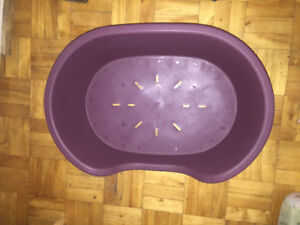 CAT BED In Exellent condition made of tuff Plastic