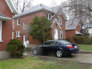 Furnished 6 bedroom house in Waterloo