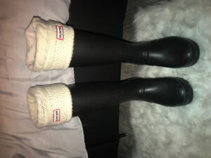 SIZE 9 CLASSIC TALL HUNTER BOOTS FOR SALE