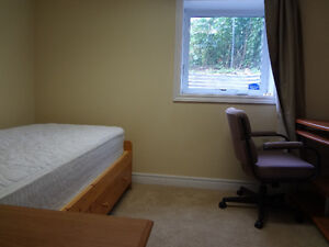 Furnished rooms next to MUN at 217 Elizabeth Ave (离校10米卧房招租)