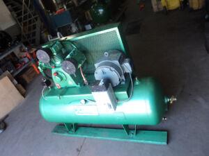 Compresseur industriel 80 gal. 10 HP Pompe HTA-100, 575 V.