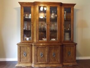 Hutch & Matching Dining Room Table