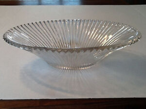 VINTAGE Heisey Ribbed Oval Glass Bowl