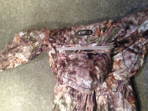 Cabela's Silent Suede Insulated Coveralls Stratford Kitchener Area image 6