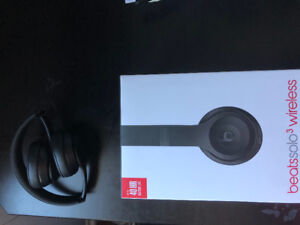 Beats solo 3 matte black 10/10 condition