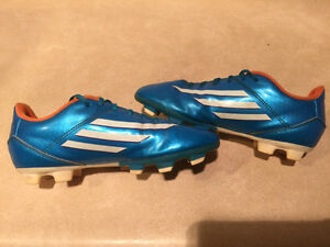 Kids Adidas F5 Outdoor Soccer Cleats Size 3 London Ontario image 4