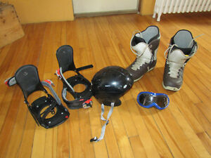 snowboards, bottes, casque , fixations