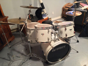 Drumset with Sabian Cymbals