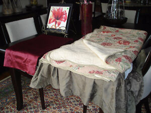 Quilted bedspread & accessories