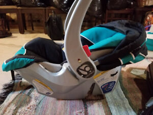 Baby Trend Infant carseat with base