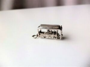 SAN FRANCISCO CABLE CAR  STERLING SILVER CHARM/PENDANT