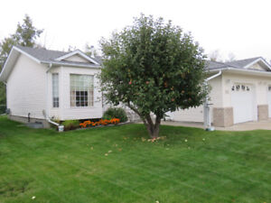 Great Priced Bungalow Condo in Leduc!