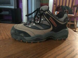 Terra women's hiking boots - size 7.5 - excellent condition