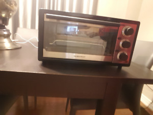 Toaster Oven Very clean inside out in excellent condition