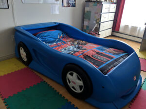 BED CAR TWIN SIZE + MATTRESS + BOX SPRING MATTRESS