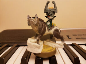Wolf Link/Midna Amiibo