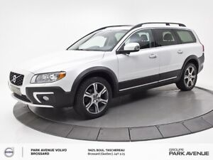 2014 Volvo XC70 T6 300hp | BLIS, HITCH, XENON