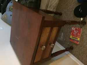 End table very old antique good condition tho