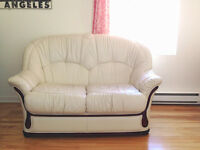 Divan Cuir Tres Propre Bonne Condition - Comfy Leather Couch