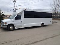 2008 Ford Diamond Coach E450 Executive Shuttle Bus