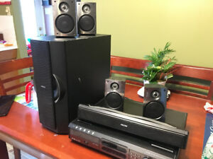 500W Surround System negociable