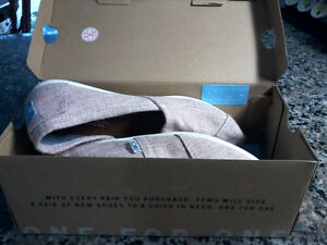 Toms light pink shoes with box