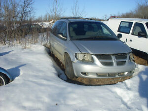 2002 DODGE GRAND-CARAVAN SPORT (PARTING OUT)