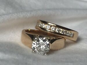 REDUCED! Dazzling engagement ring and wedding band