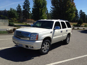 2005 Cadillac Escalade ESV Fully Loaded AWD