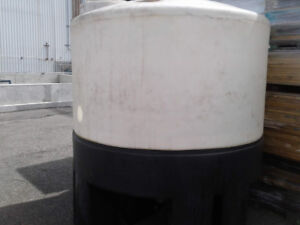 Plastic Poly Water Tanks  4000 Lit. 1050 gallons, for sale.
