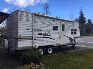 24' 2007 Wildwood by Forest River with bunks