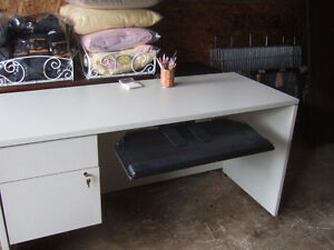 Office desk with locking drawer's $30