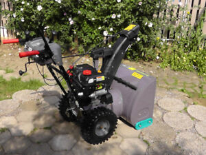 PRICE DROP !!                 SNOW  THROWER FOR SALE!